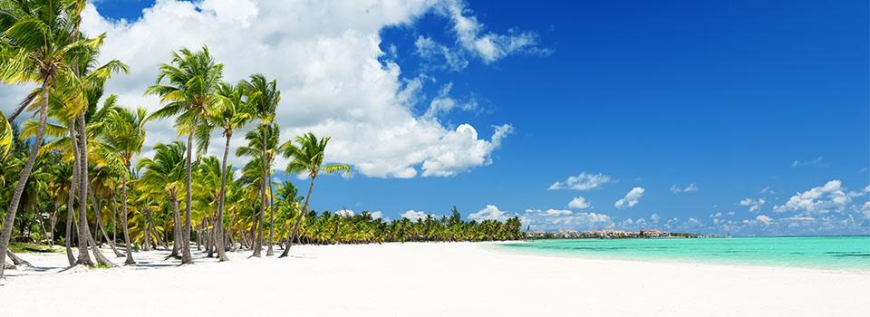 Strand in Dominikanischer Republik auf östlicher Karibik Kreuzfahrt